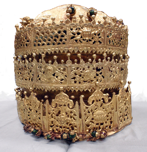 The gold crown from Magdala